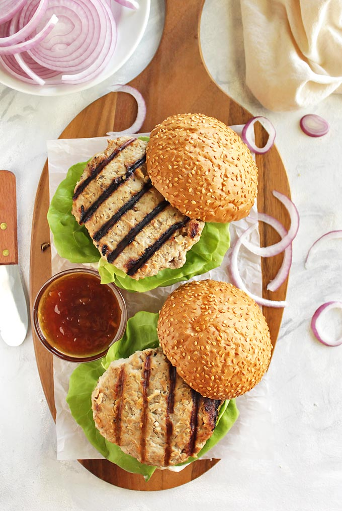 Pineapple Turkey Burgers with Homemade Teriyaki Sauce - Juicy burgers that are topped with grilled pineapple and homemade teriyaki sauce. so YUM! Perfect for summer or fall grilling! Gluten Free/Dairy Free/Refined Sugar Free | robustrecipes.com