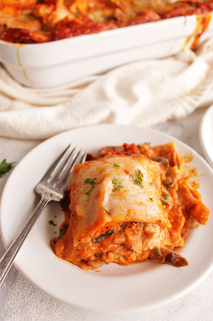 mushroom lasagna with roasted red pepper sauce - robust
