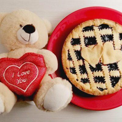 Crostata di San Valentino con marmellata ai mirtilli