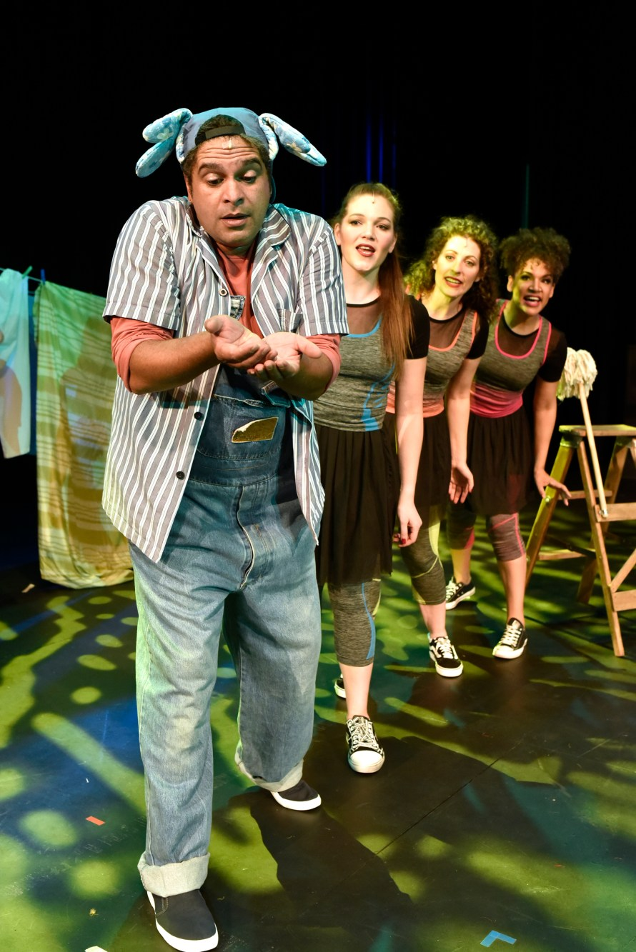 Mortimer Williams as Horton with Sarah Richard, Carly Graeme and Chantal Stanfield