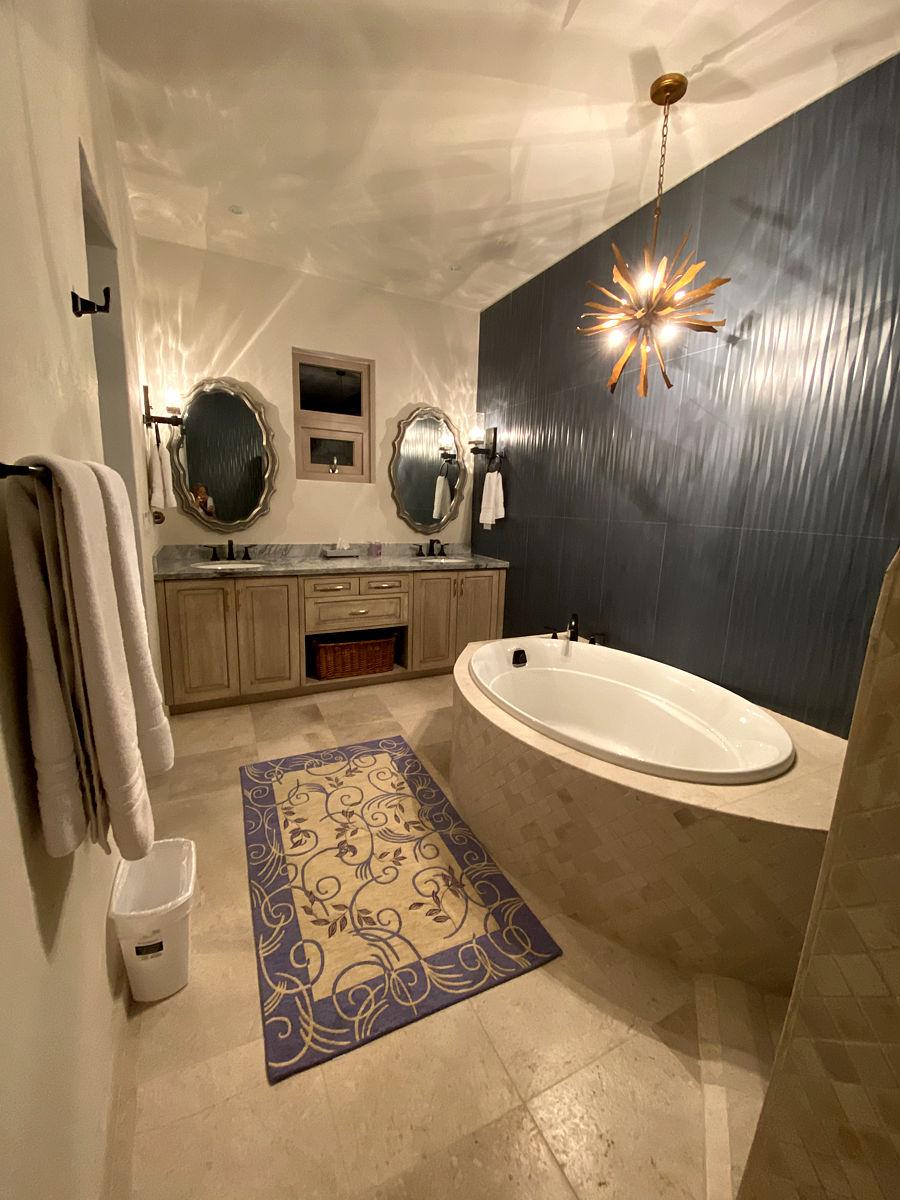 Plumeria Suite Bathroom