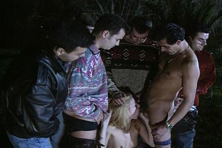di Rocco migliore Gang Bangs, Scene # 07 - Monica Cancellieri, Perla Mazza, Rocco Siffredi