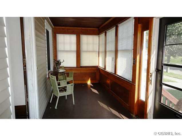 17 Porch - Enclosed