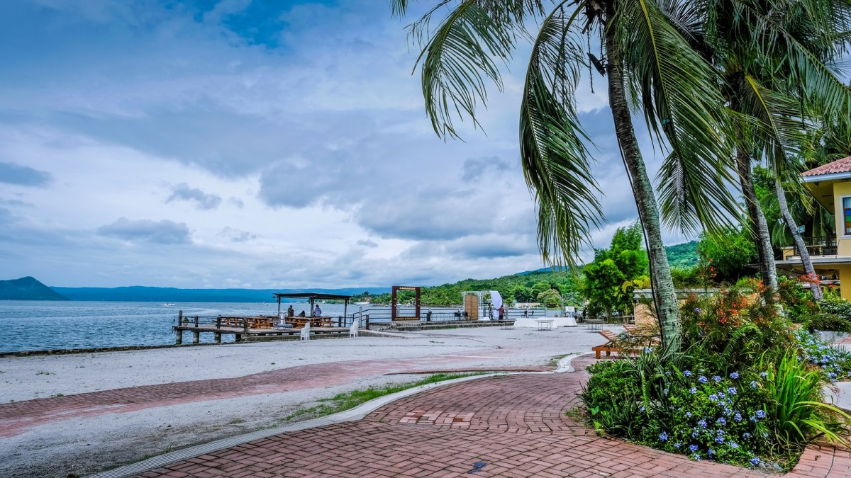 Top 10 Things to Do in Club Balai Isabel (Talisay
