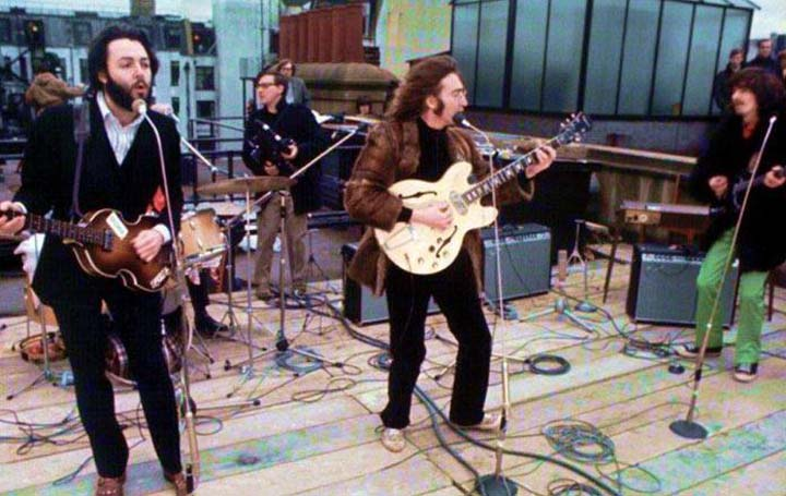 The-Simpsons-Beatles-roof-telhado as principais aparições dos beatles nos simpsons As principais aparições dos Beatles nos Simpsons The Simpsons Beatles roof telhado