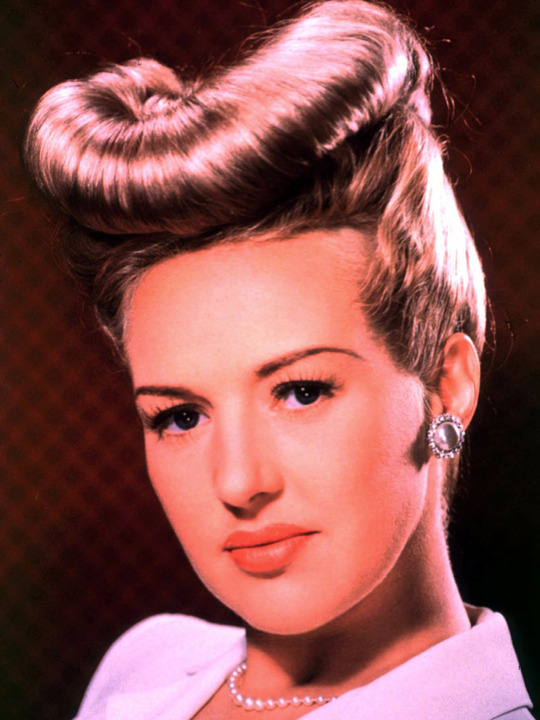 Rockabilly Hairstyle Rockabelle Bombshell