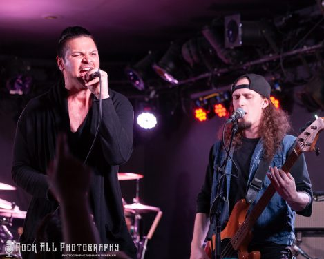 Photo's and Show Review – Adelitas Way's Notorious Tour with Sons of Texas and Taking Dawn!