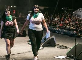 Georgina Orellano y Maria Riot en el Cosquín Rock