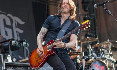 Myles Kennedy playing guitar