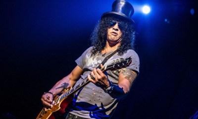 Slash playing guitar
