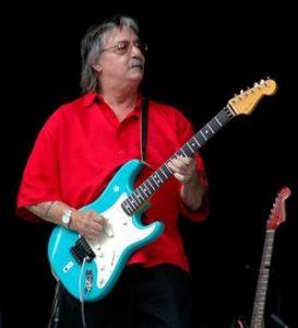 Surfaris lead guitarist