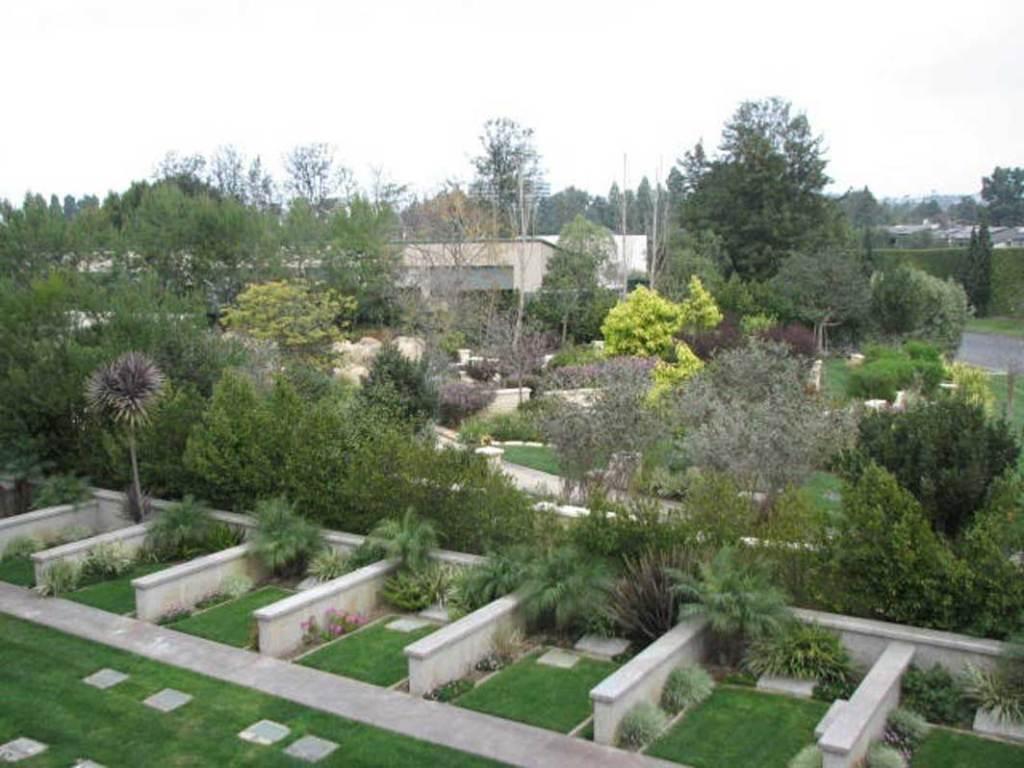 Hillside Memorial Park,