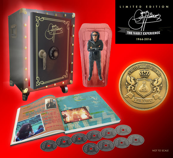 GENE SIMMONS presenta THE VAULT BOX