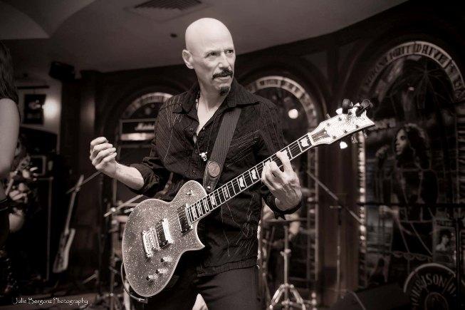 Adiós al mago de la guitarra, BOB KULICK