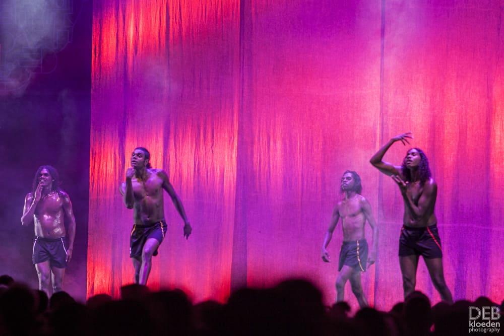 Djuki Mala dancers