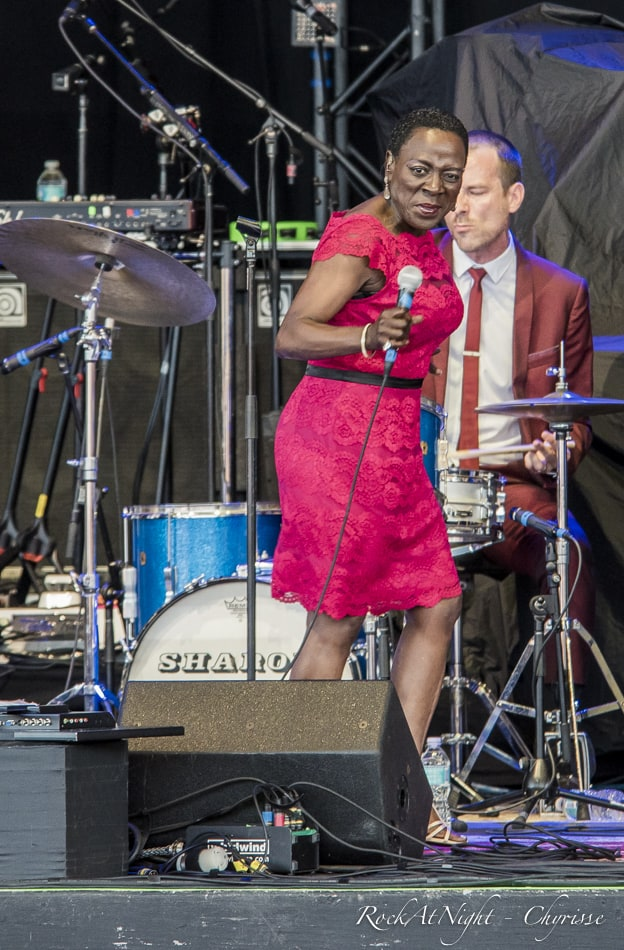 DSC_9785-1-2 Sharon Jones
