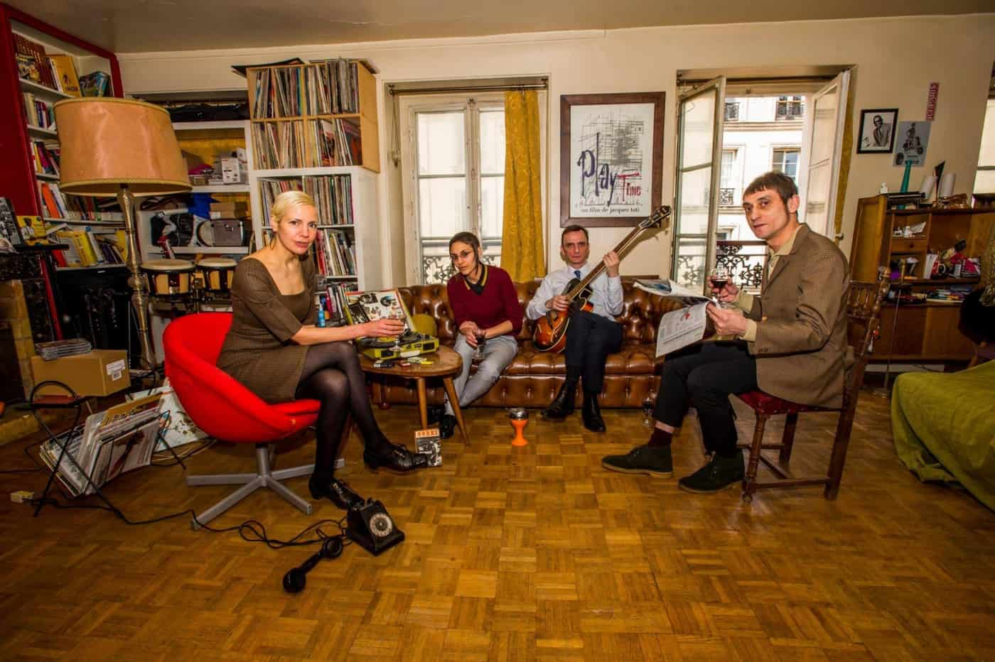 Gabriela, Zelda, Jean-Marc, Serge – appartment (photo Derek d'Souza)