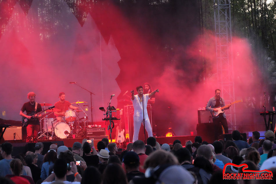 0175 Young the Giant – Busch Gardens 3-18-2017_950