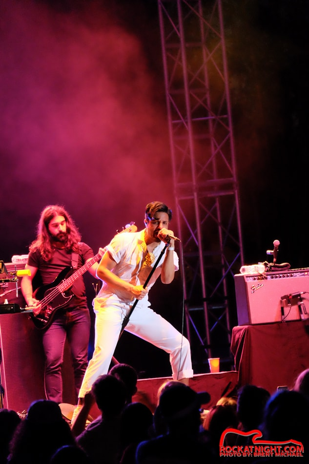 0241 Young the Giant – Busch Gardens 3-18-2017_950