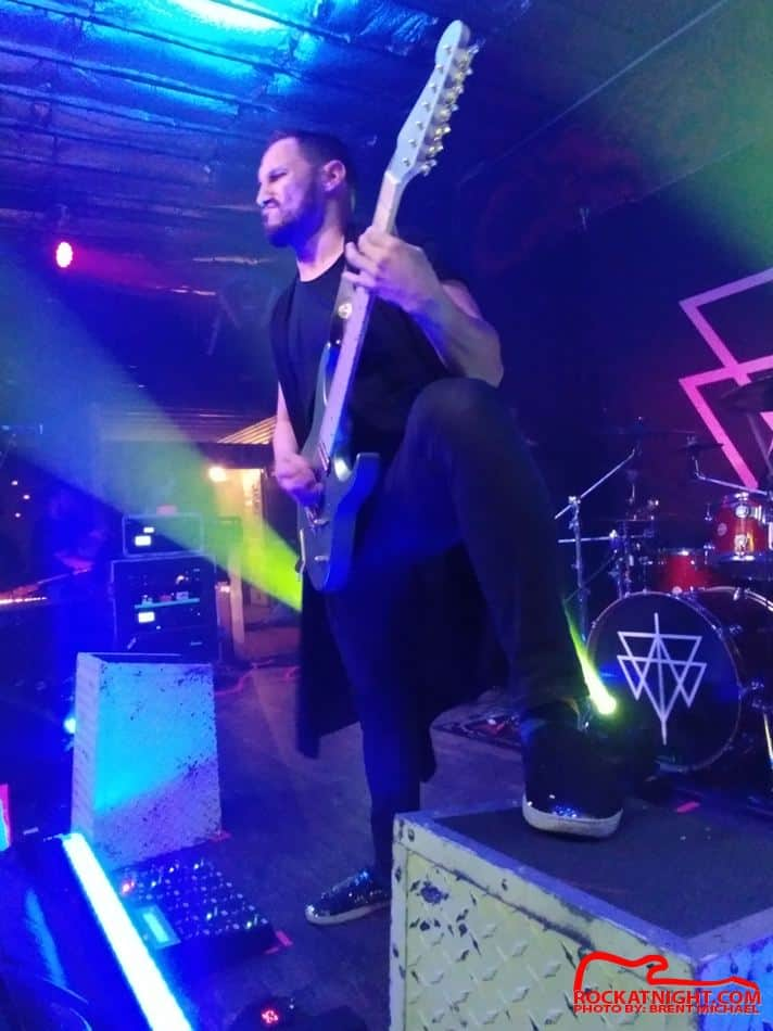 sm- 3935 Crowbar 12-18-2018 – Angel Vivaldi