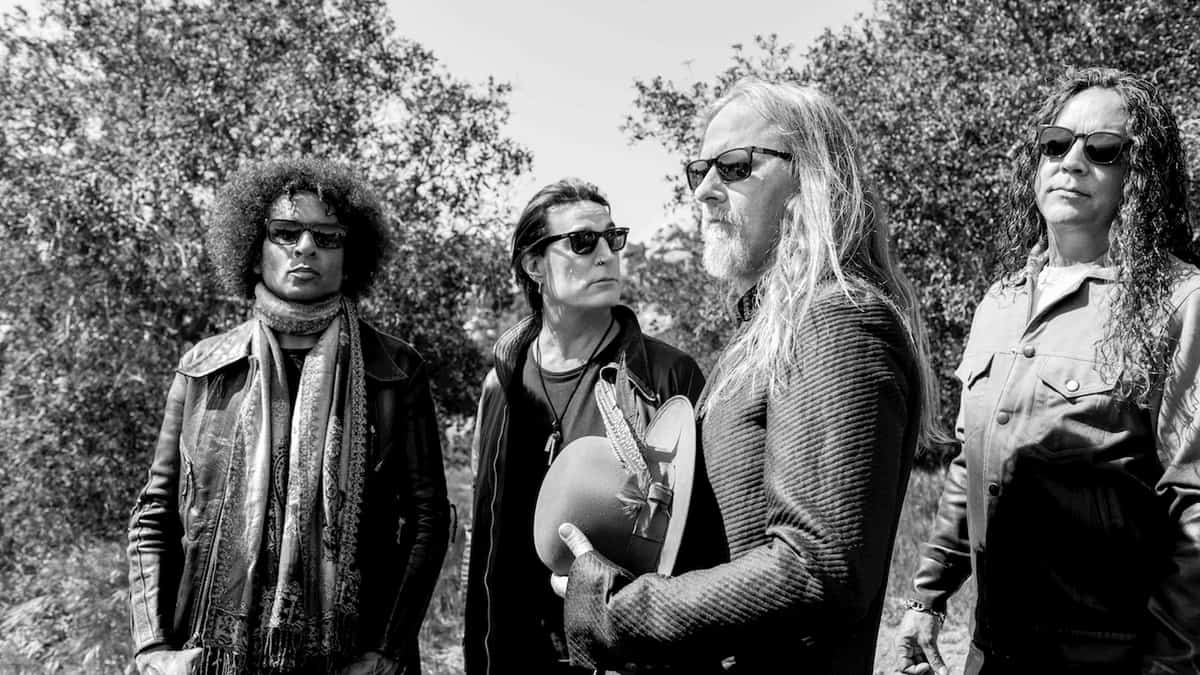 Alice In Chains Movie Rock At Night Magazine