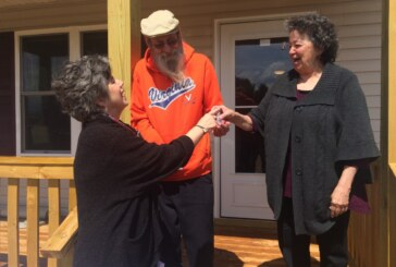 Couple receives keys to new Habitat for Humanity home in Rockbridge
