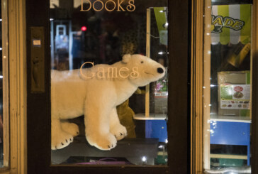 Lexington retailers focus on small-town feel this holiday season