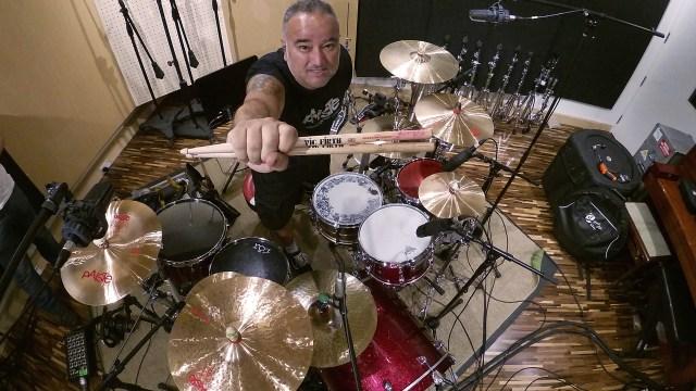 V Project, do baterista Sérgio Facci, regrava música do Vulcano