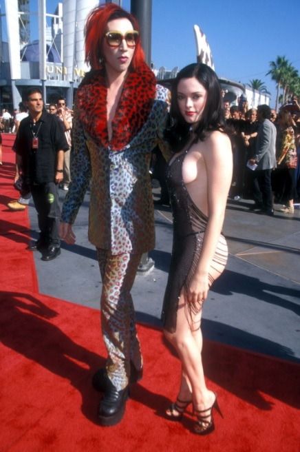 rose mcgowan 1998 mtv music awards dress