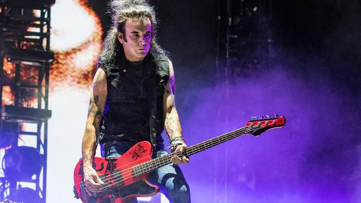 the-cure-bassist-simon-gallup-leaves-the-band
