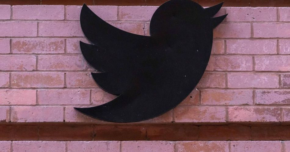 twitter-tests-new-device-to-report-fake-news