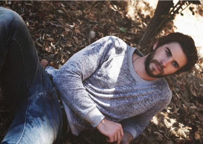 Liam-Hemsworth-Nylon-Guys-October-November-2014-2