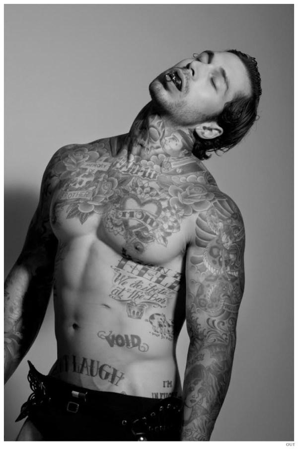 Alex-Minsky-Nude-Out-Photo-Shoot-Tattoos-006