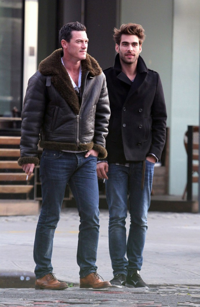 luke-evans-steps-out-with-rumored-boyfriend-jon-kortajarena-04