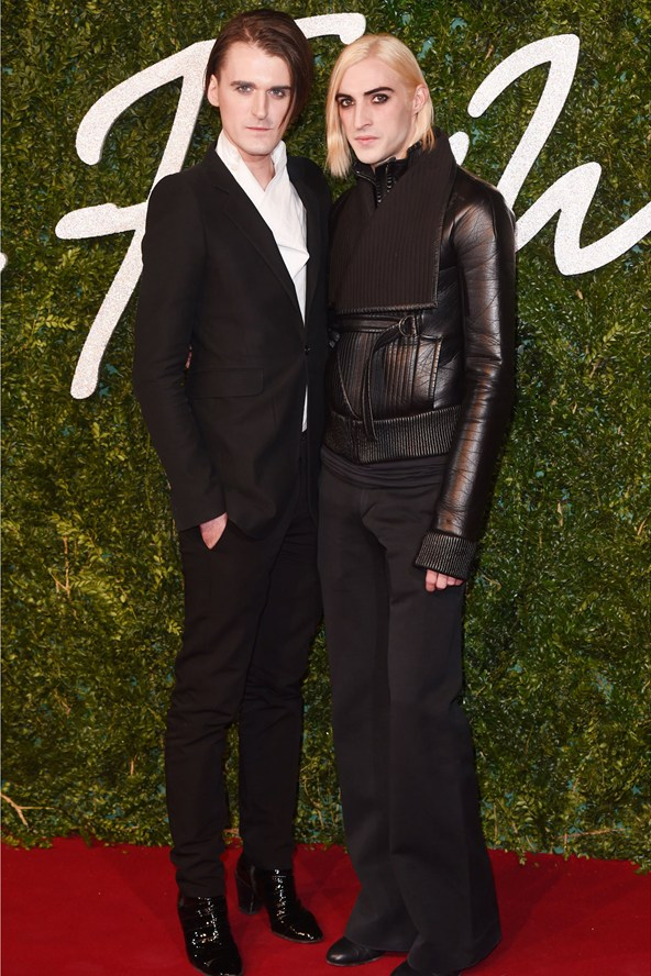Gareth Pugh y Carson McColl British Fashion Awards 2014