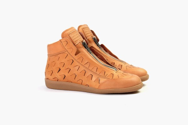 maison-margiela-zip-up-high-top-natural-1-960x640