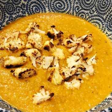 curried butternut soup + cauliflower croutons