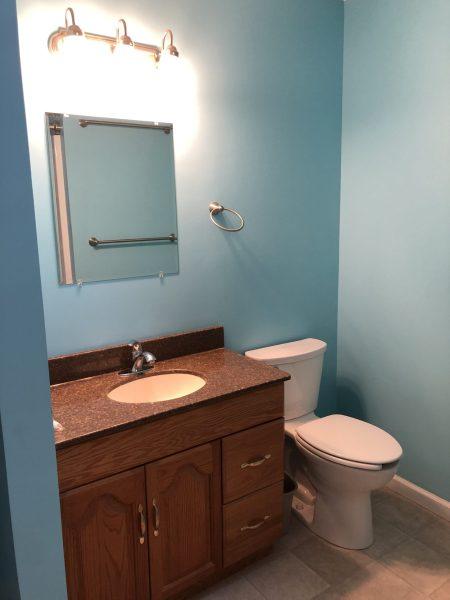 #60 Rockhaven Drive - Main Bathroom