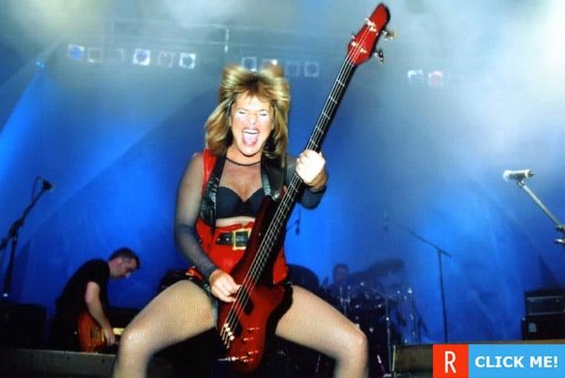 Сьюзи Кватро отрывается на сцене на сцене (фото)