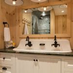 Rustic farmhouse style bathroom design ideas 31