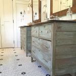 Rustic farmhouse style bathroom design ideas 49