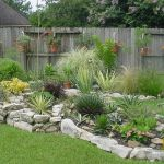 Texas Style Front Yard Landscaping Ideas 16