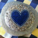 Creative diy painting rock for valentine decoration ideas 45