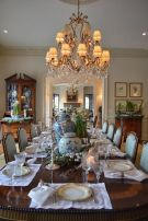 Glorious and Luxury Western Dining Room Design 21