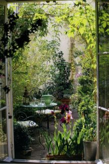 Small courtyard garden with seating area design and layout 101