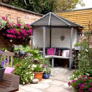 Small courtyard garden with seating area design and layout 13
