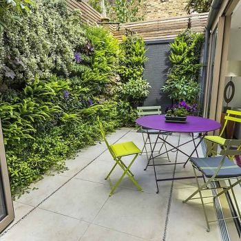 Small courtyard garden with seating area design and layout 25