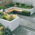 Small courtyard garden with seating area design and layout 58