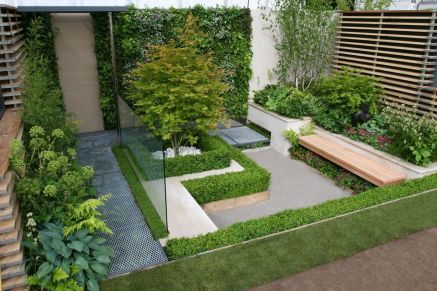 Small courtyard garden with seating area design and layout 61