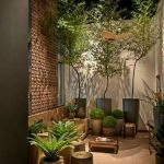 Small courtyard garden with seating area design and layout 67